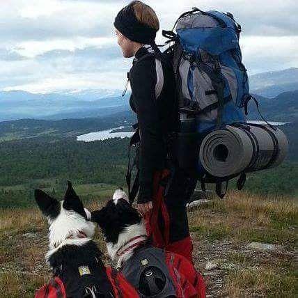 FRILUFT: Skåland er ofte på tur med Umbro, en lydig Border Collie. Hun har også vært mye på jakt oppigjennom.