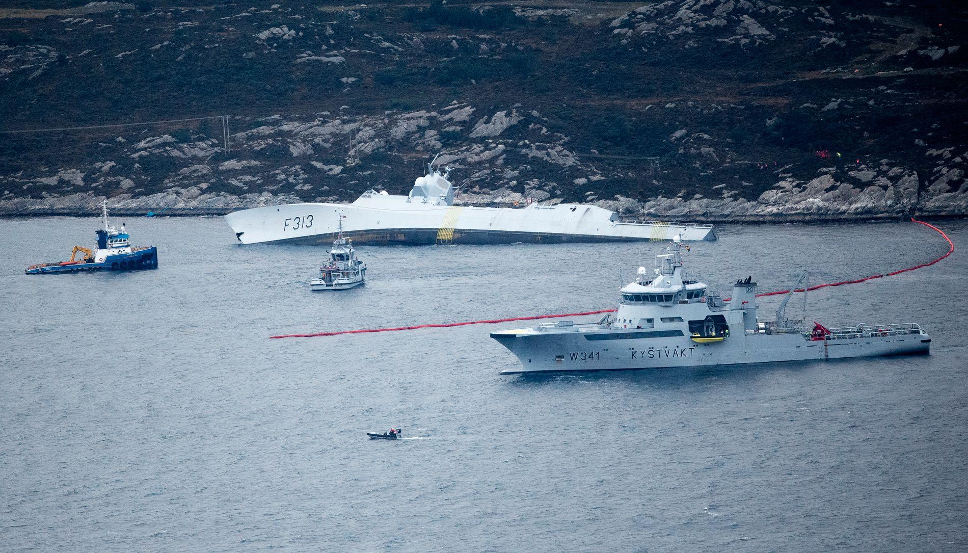 Den norske fregatten «KNM Helge Ingstad» som kolliderte med tankskipet «Sola» TS nær Stureterminalen i Øygarden.