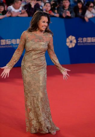 SUPERSTJERNE: Vanessa Williams på rød løper under Beijing International Film Festival i april i år.