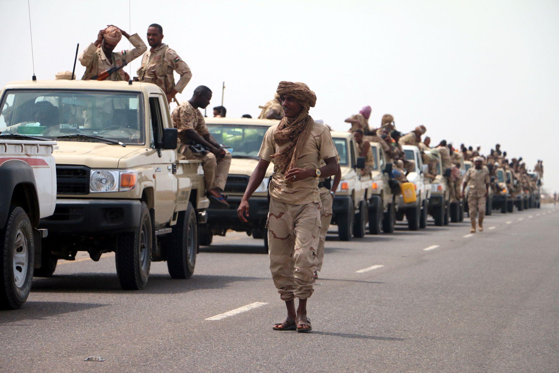 BAKKEANGREP: Den jemenittiske regjeringshæren ved hjelp av sudanske soldater har inntatt havnebyen Hodeidah ved Rødehavet. Bildet er tatt 12. juni.