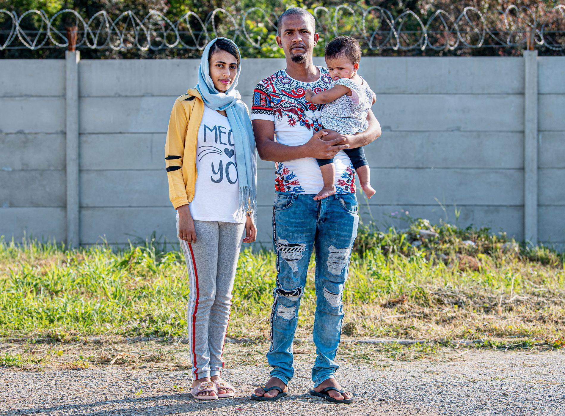 FRA ERITREA: Pappa Bashir Omar Mohamed flyktet fra Eritrea i 2008, og mamma Tenzil i 2015. De møttes som flyktninger i Sudan, og dro videre til Libya, der Talia (9 md.) ble født.