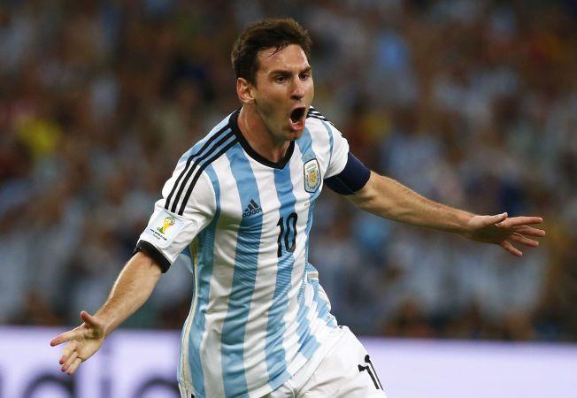 ENDELIG! Lionel Messi slet før pause, men jublet vilt da han banket inn 2-0-målet bak Asmir Begovic etter pause.