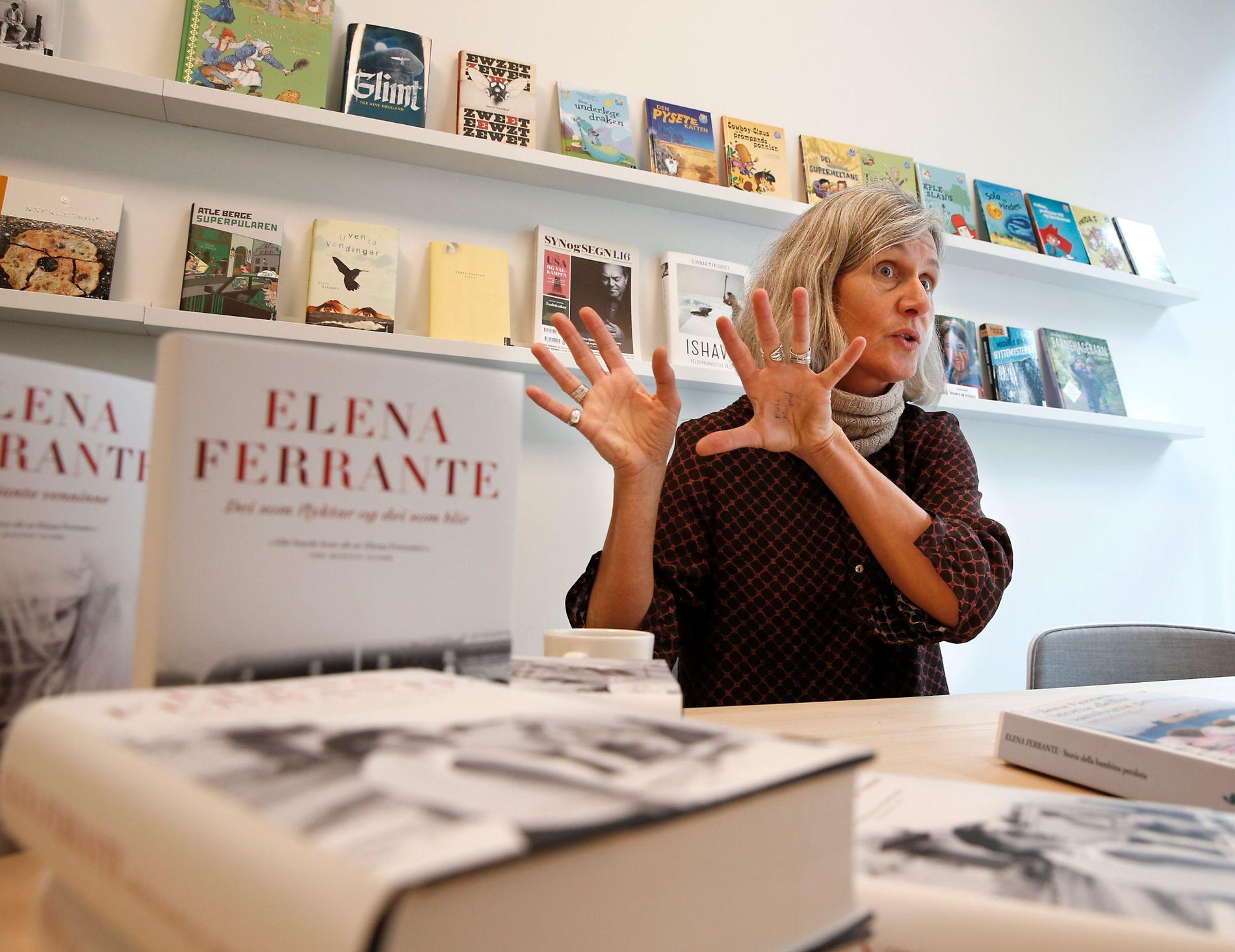 LESER HVER BOK 8 GANGER: Ferrante-oversetter Kristin Sørsdal leser hver bok opp i åtte ganger i arbeidet med å oversette Elena Ferrantes Napoli-kvartett til norsk.