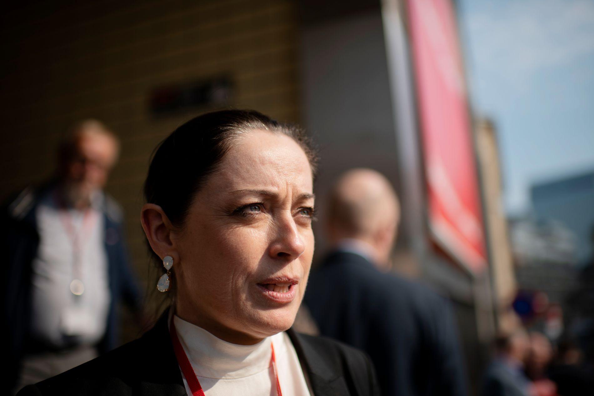 OPPGITT: Stortingsrepresentant fra Møre og Romsdal, Else-May Botten Norderhus (Ap), etterlyser en plan fra Frp-politikerne som nå etterlyser en ny utredning. – Hvor skal regjeringen finne pengene?