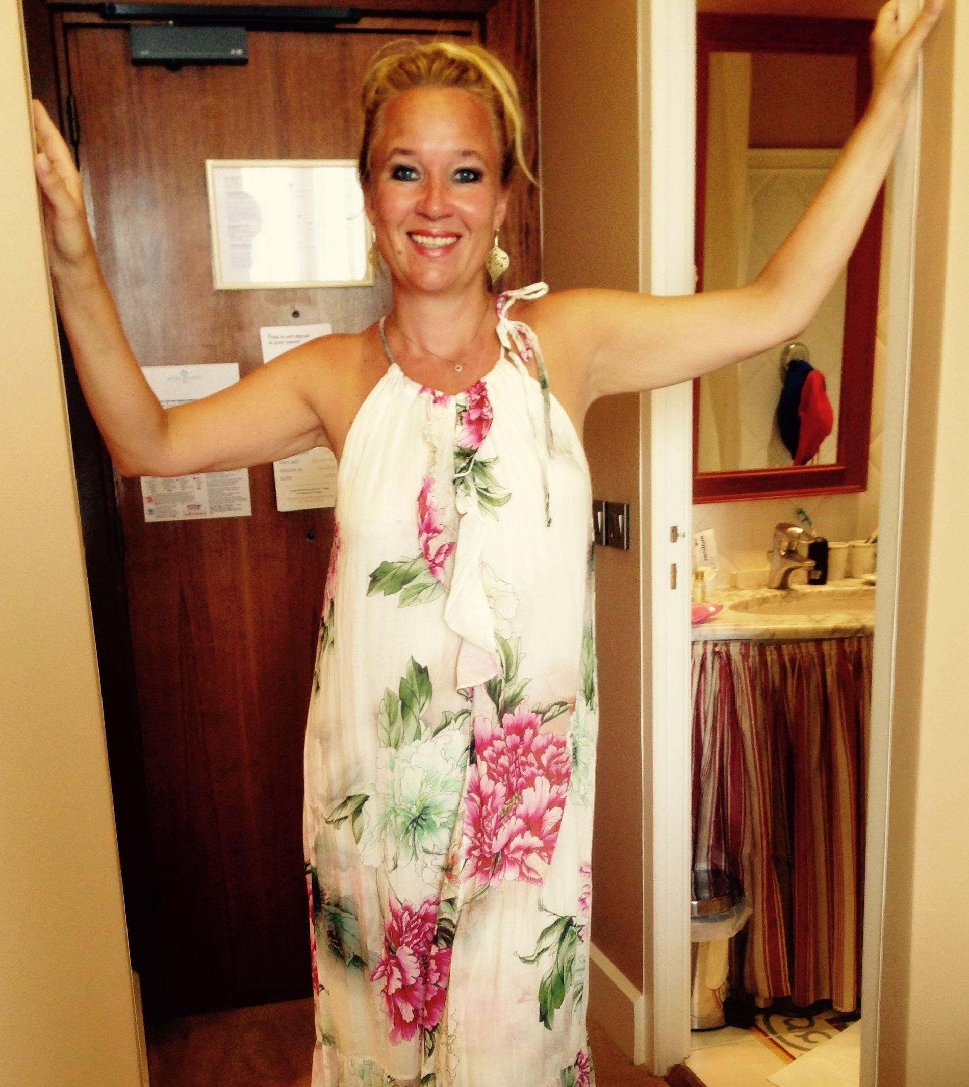 SOMMEREN 2015: Rett før hun får diagnoen er Cathrine  i Cannes i Frankrike. – Det er vemodig å se meg selv slik jeg så ut da. Kontrasten til hvordan jeg ser ut nå, blir så tydelig, sier hun i dag.