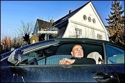 ORDENTLIG KRANGEL: Eiendomsmegler Miguel Sørholt mener han har krav på eneretten til å bruke ordet «residens» innen eiendom. Foto: Espen S. Hoen