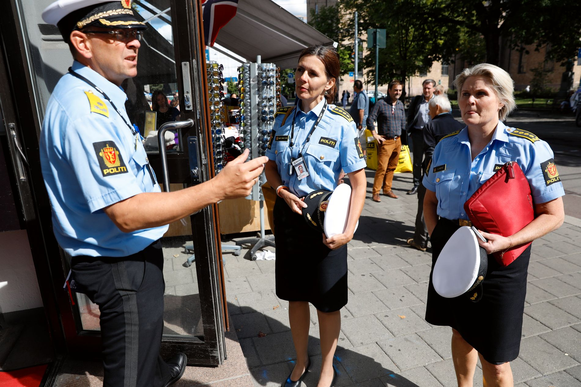 IMPORTANT MEETING: The meeting participants from the Oslo police district arrive at the Riksadvokaten site. From left: Vision Policy Governor Bjørn Vandvik, Attorney General Beate Brinch and head of Intelligence and Investigation, Grete Lien Metlid.