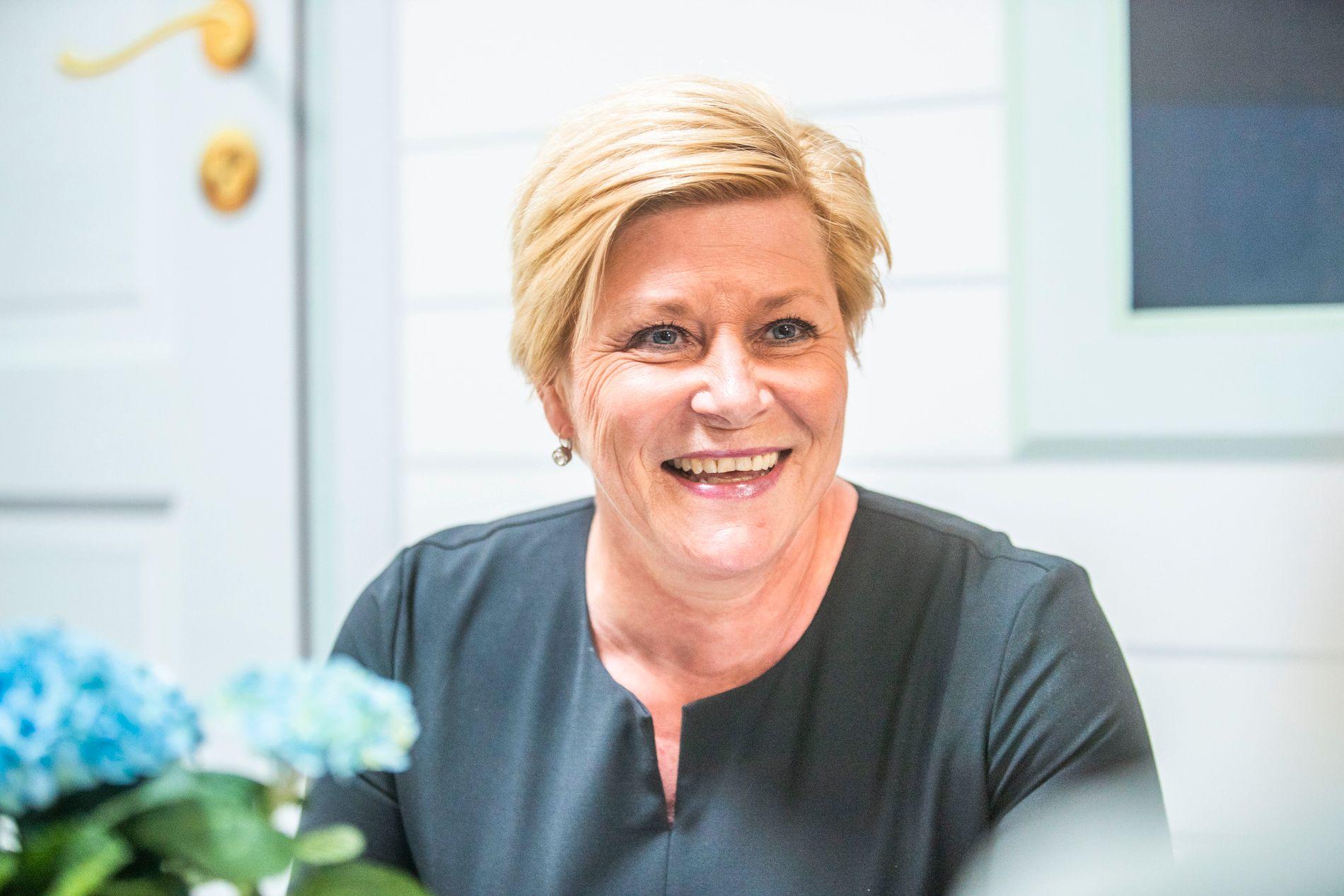 NÅ ER DET ALVOR: Etter seks år i finansministerstolen kutter Siv Jensen i bompengene.