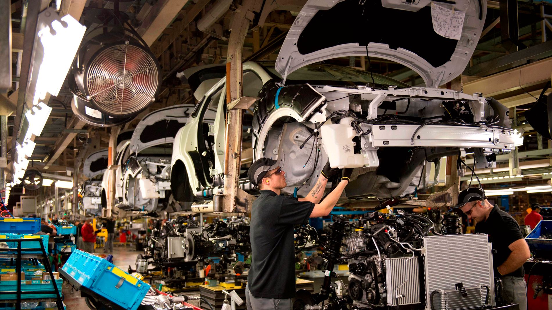 KUTTER JOBBER: Over 10.000 Nissan-ansatte mister jobben, ifølge et japansk nyhetsbyrå. Dette bildet er fra et Nissan-anlegg i britiske Sunderland.