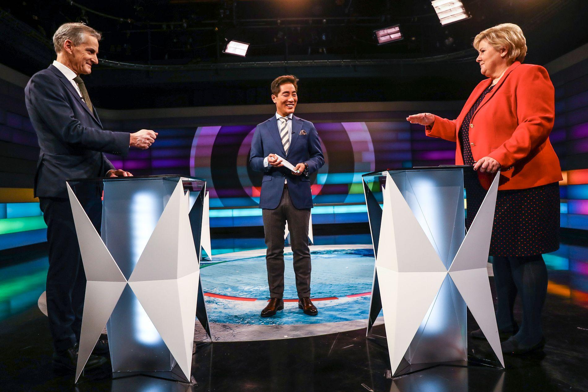 DEBATTERTE: Torsdag kveld var det duket for NRK-debatt mellom Jonas Gahr Støre og Erna Solberg i forkant av KrFs ekstraordinære landsmøte fredag.