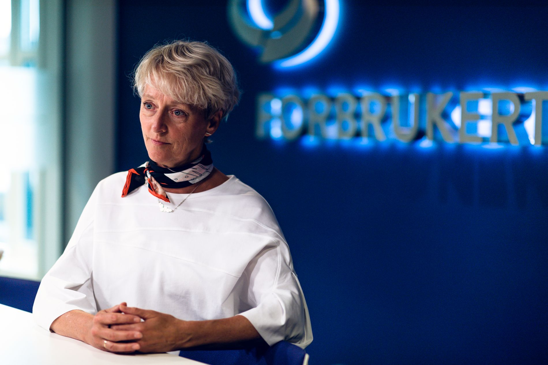 BESKYTTER MOT PÅGÅENDE MARKEDSFØRING: Forbrukerdirektør i Forbrukertilsynet, Elisabeth Lier Haugseth, sier at mirakelpredikantenes markedsføring er ulovlig.