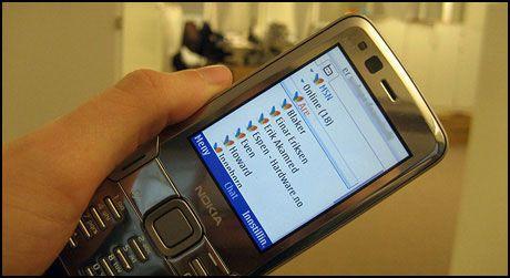 MILJØFARLIG?: Et fåtall av mobilene som kastes resirkuleres. Foto: Silje Gomnæs, Amobil Foto: