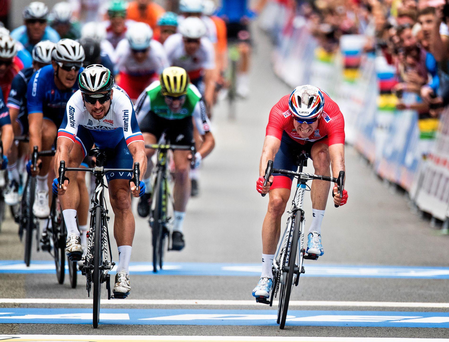 GULL-NEDERLAG: Alexander Kristoff ble toer etter å ha blitt spurtslått av Peter Sagan i Bergen. Etterpå har stort sett alt handlet om økonomi etter mesterskapet.