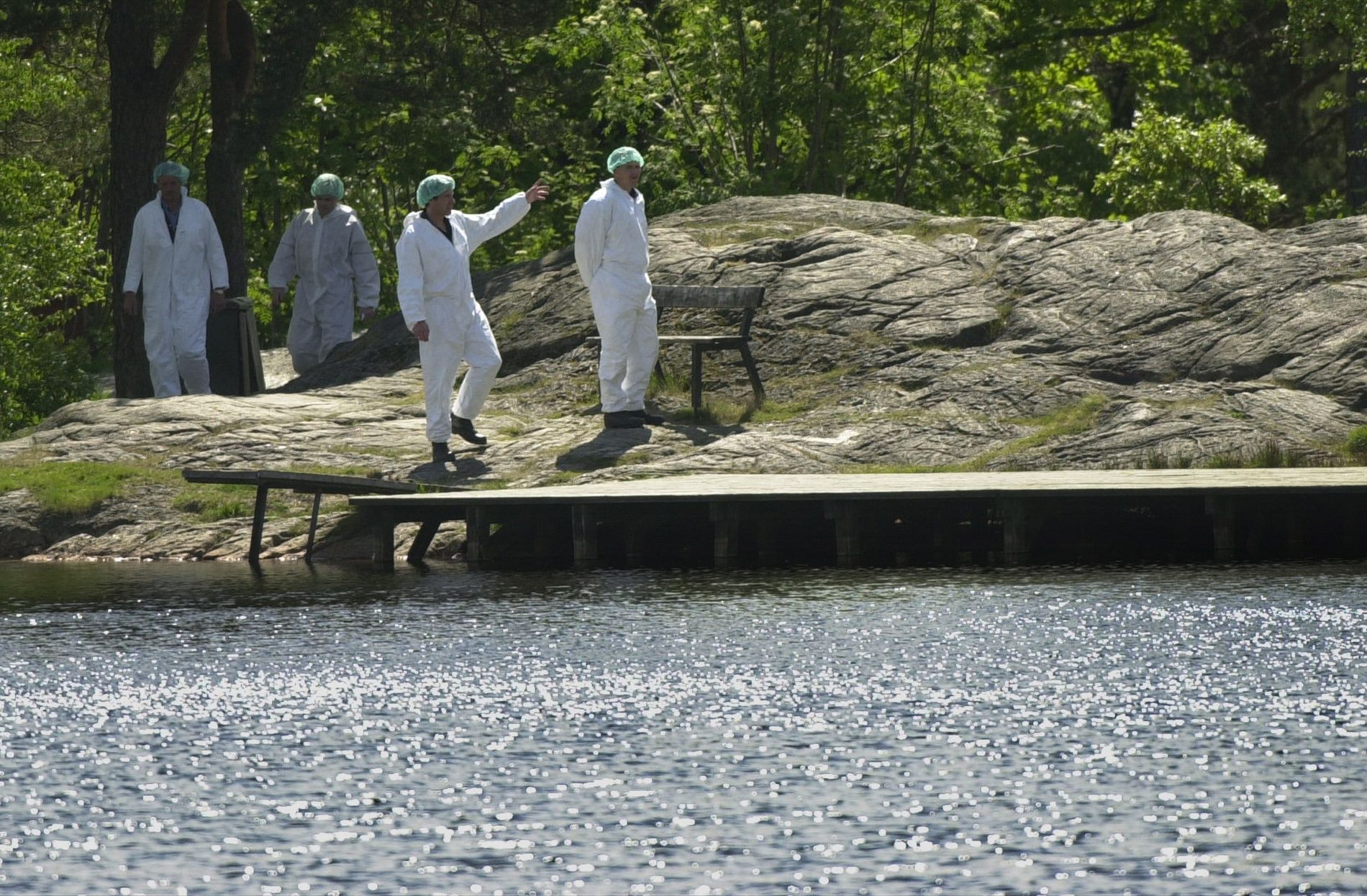 FORSVANT:Lena Sløgedal Paulsen (10) og Stine Sofie Sørstrønen (8) ble funnet drept og voldtatt to dager at de forsvant fra denne badeplassen ved 3. stampe i  Baneheia 19. mai 2000.