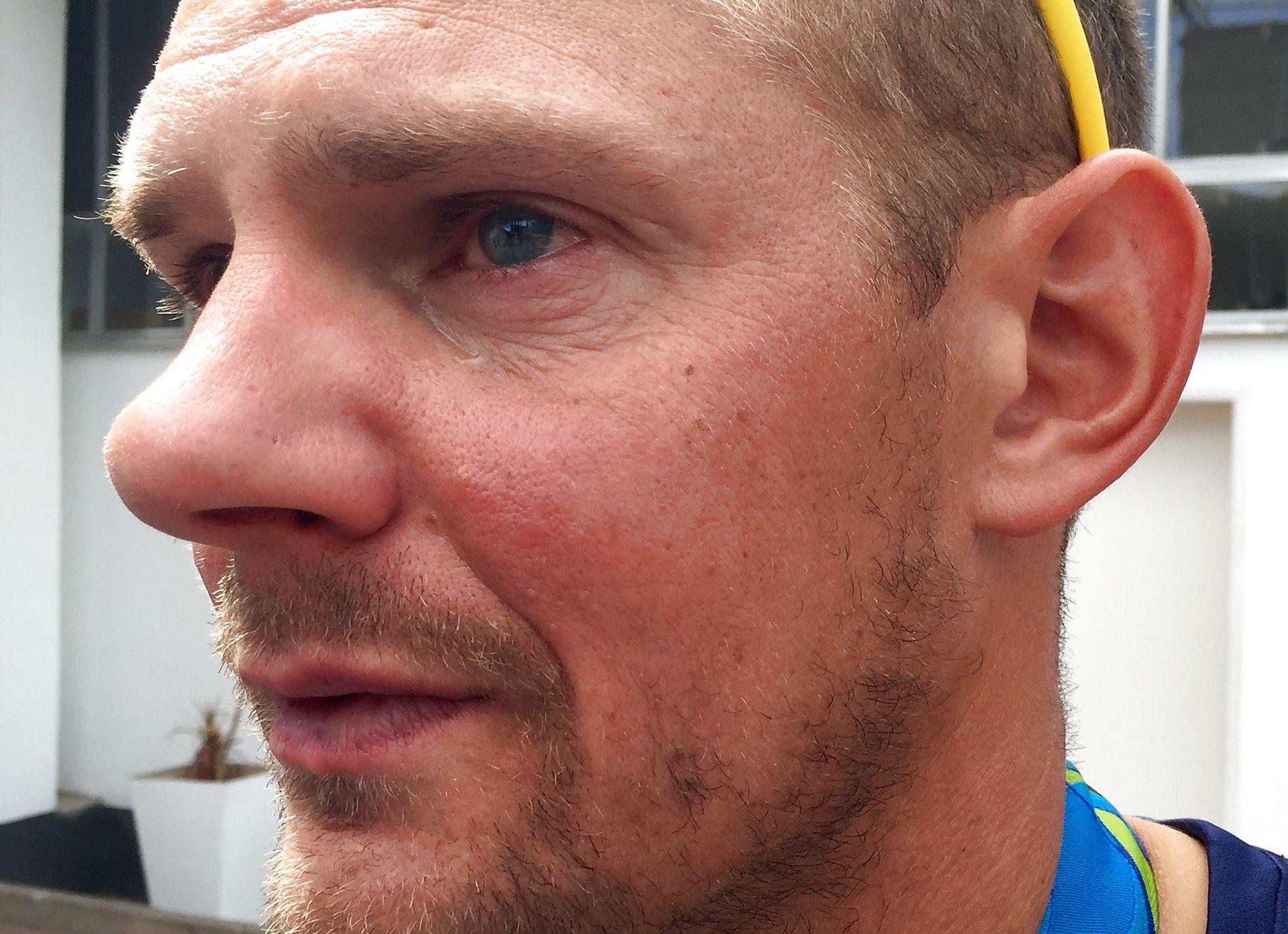 RØRT: Olaf Tufte var svært rørt etter å ha tatt med seg barna på seierspallen i Rio de Janeiro.