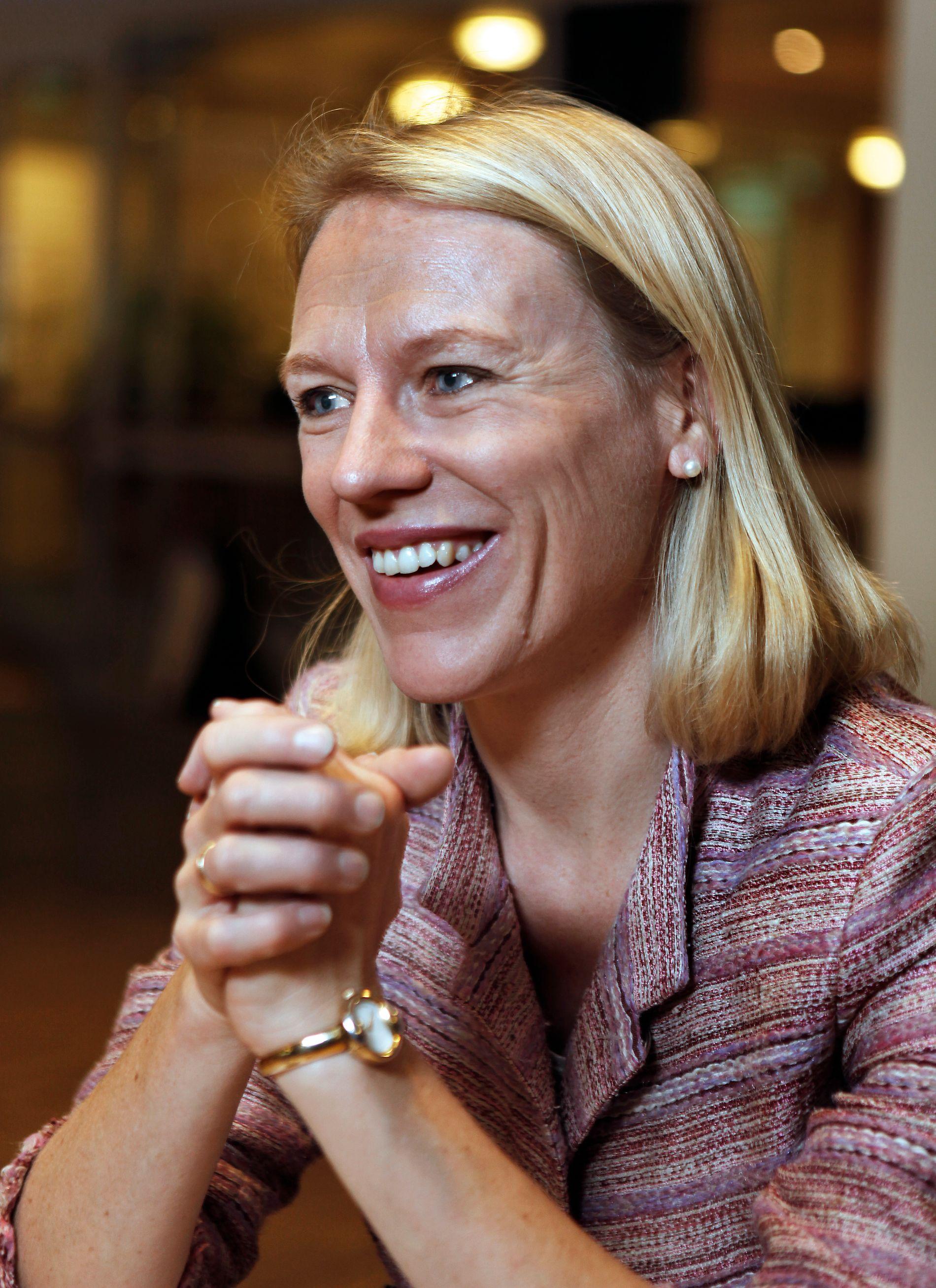 DISKUTERER MED DATTEREN: Anniken Huidtfeldt ser «Skam», selv om datteren syns hun kan la være