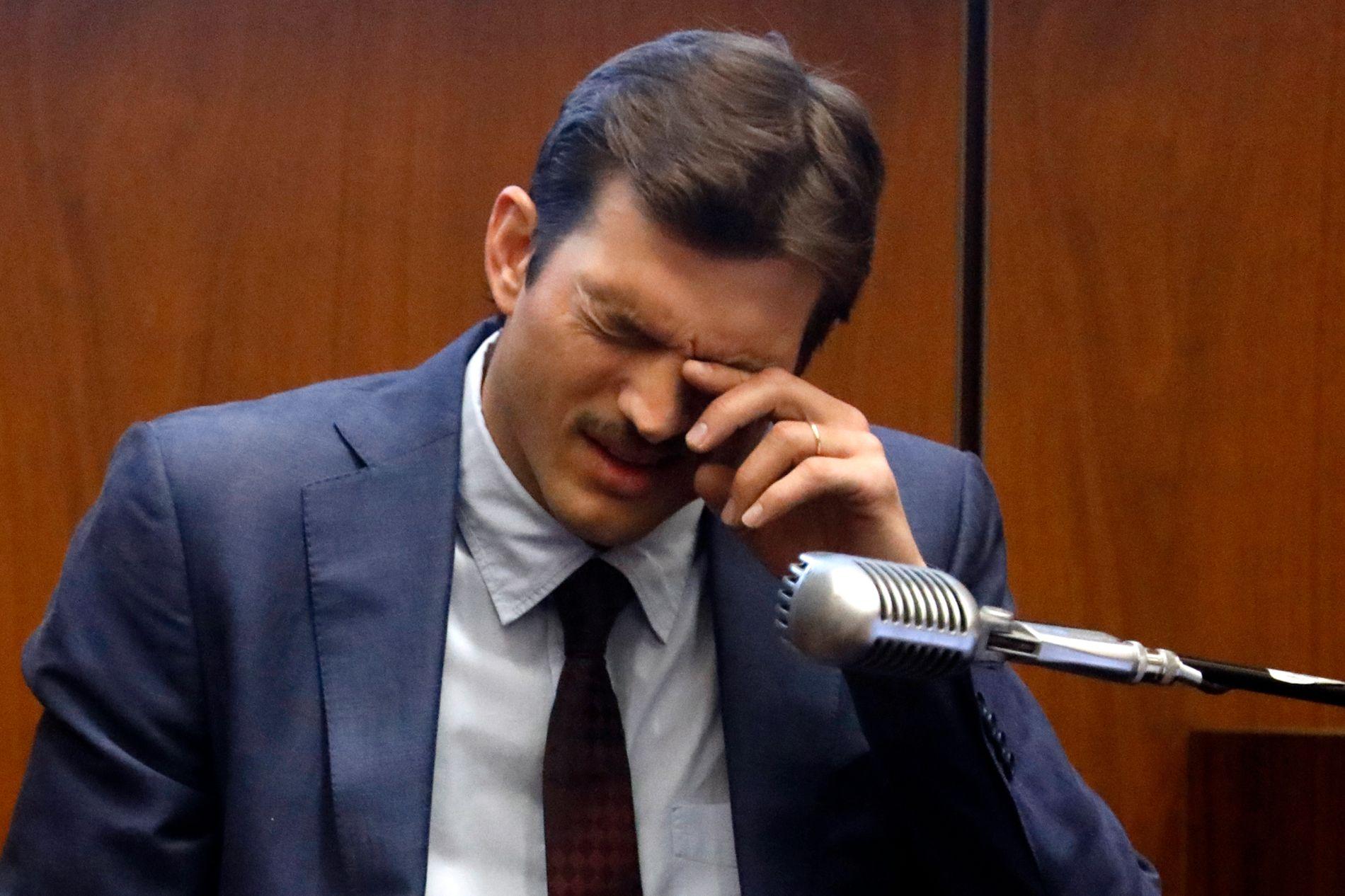 TUNGT: Ashton Kutcher var tydelig preget i retten.