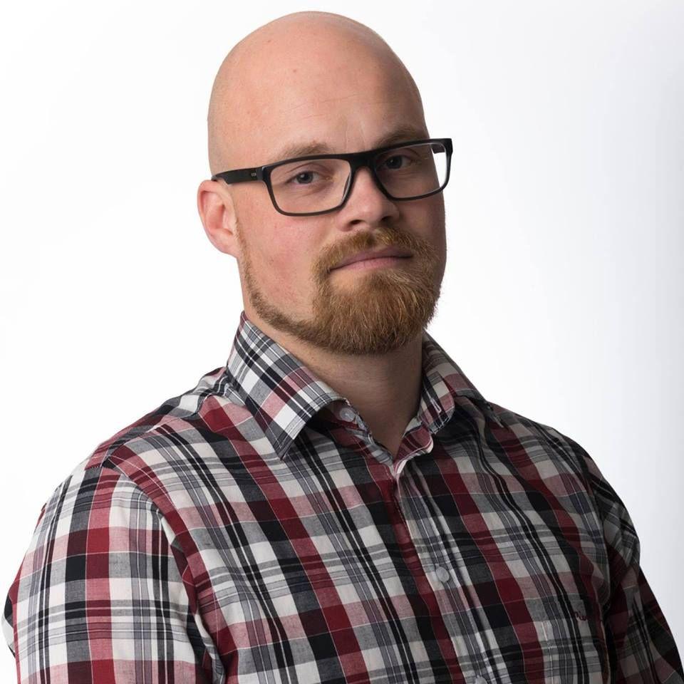 VIL STOPPE SAMMENSLÅING: Eivind Stene er politisk nestleder i Troms Fremskrittsparti. Han og fylkeslaget ber Fremskrittspartiets stortingsgruppe stoppe sammenslåingen mellom Troms og Finnmark.