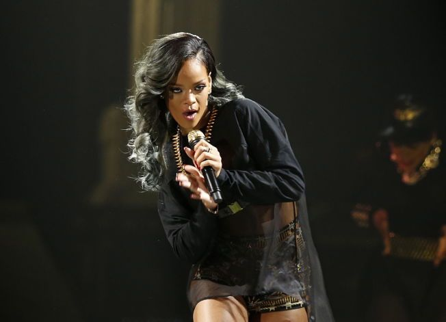 VILLE BIDRA: Rihanna ønsket å holde en gratiskonsert til minne om Freddie Gray i Baltimore, men fikk avslag. Her fra en konsert i Telenor Arena.