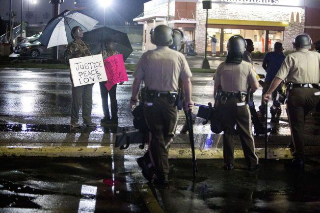 Ferguson, Missouri, USA 2014-08-18 VG-DOKUMENT Feature Søndag: Protestene etter at politimannen Darren Wilson drepte 18-årige Michael Brown (som var ubevæpnet) har pågått i over en uke. FOTO: THOMAS NILSSON/VG