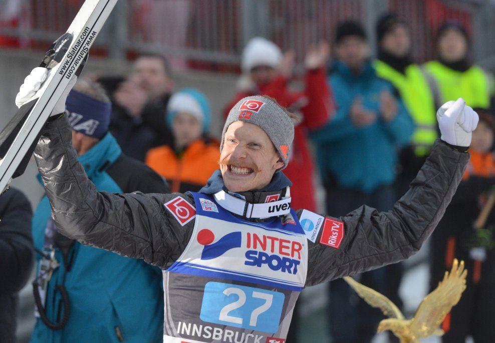 SUPERSVEVER: Robert Johansson fløy bakken ned tre ganger, og gjorde en kjempeinnsats for Norge i dagens lagkonkurranse. Her er han avbildet i Innsbruck tidligere i år.