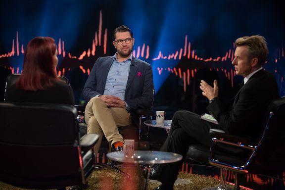 TV 2-DEBUT: sitt første TV 2-sendte talkshow blir partileder Jimmie Åkesson og hans samboer Louise Erixon hovedgjester hos Fredrik Skavlan. Programmet ble spilt inn i Stockholm onsdag.