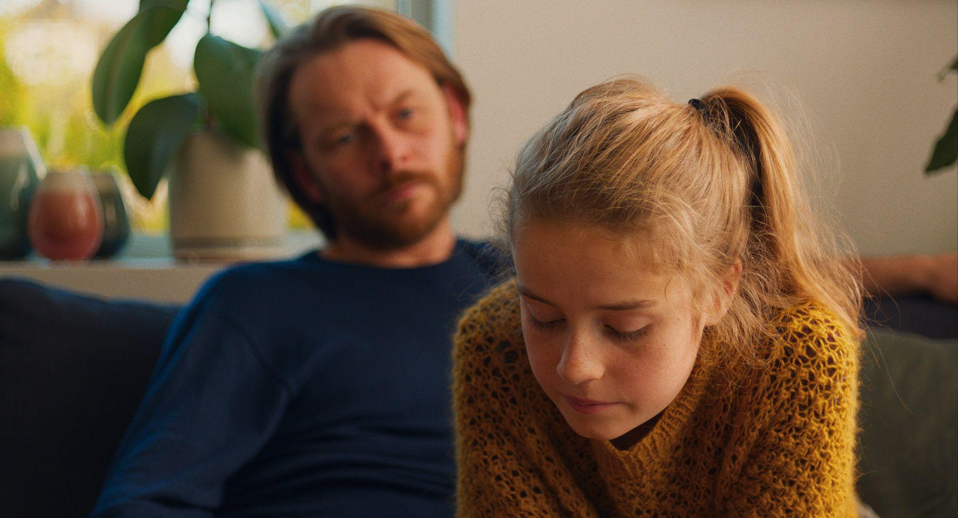 TROR PÅ DIALOG: Jan Gunnar Røise og Ella Øverbye i Dag Johan Haugeruds «Barn».