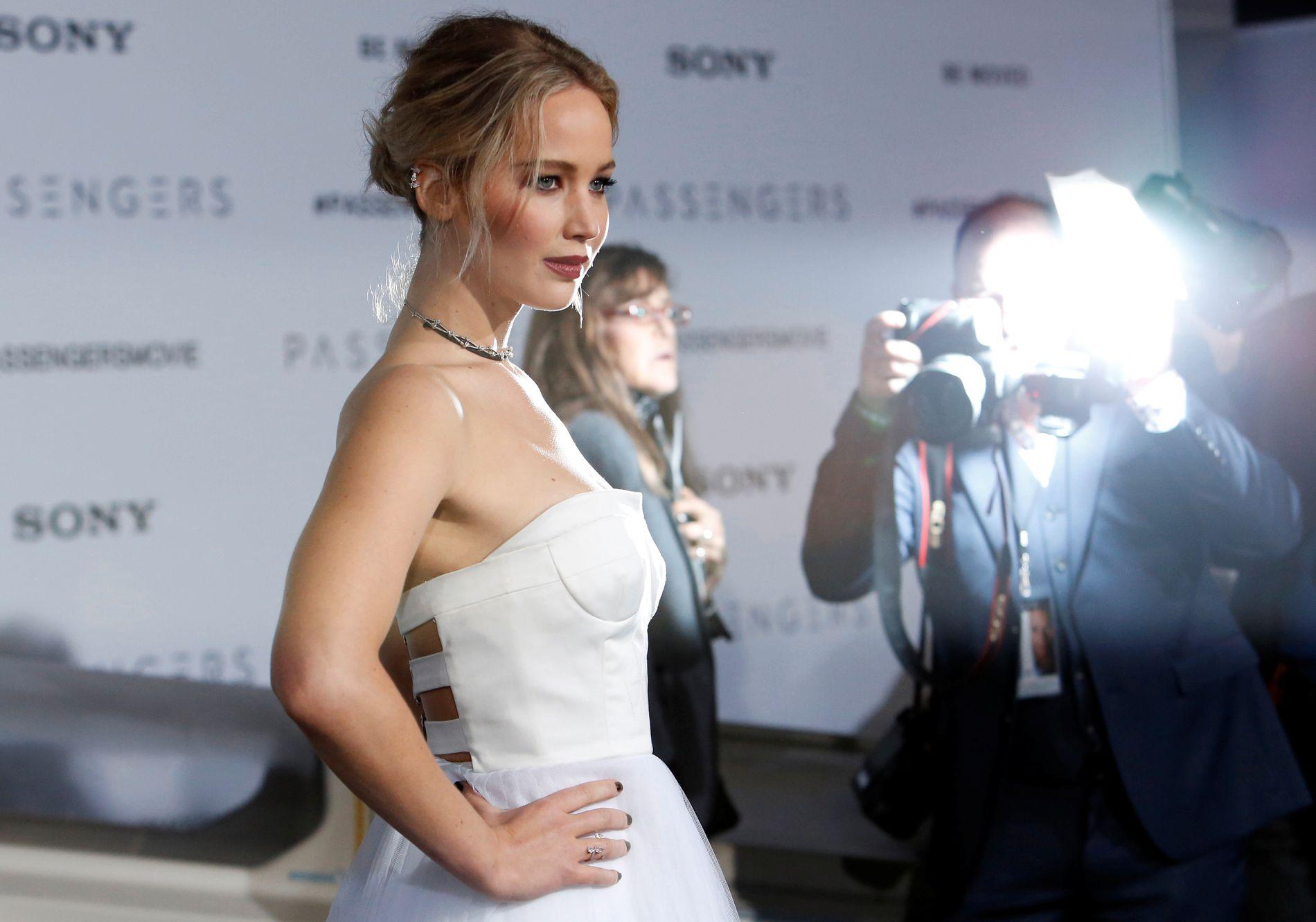 NORSK SAMARBEID: Jennifer Lawrence på premieren av «Passengers», som norske Morten Tyldum regisserte.