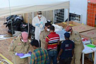 OVERLEVENDE: Siem Pilot hentet tilsammen 313 mennesker ombord fra flyktningebåten før de gikk i gang med å ta opp de omkomne.