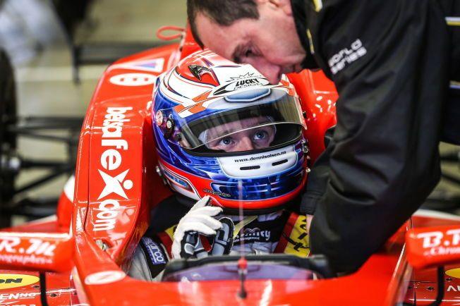 SATSER STORT: Dennis Olsen under test i formel Renault 2.0 på Le Mans-banen denne uken. Han håper å bli Norges første formel 1-fører.