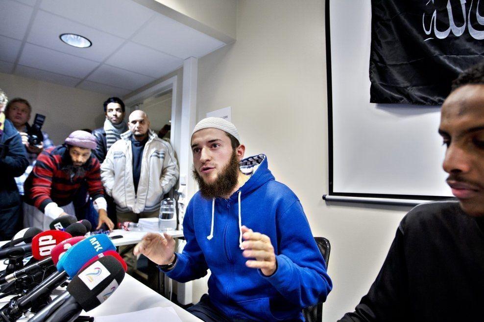 DREPT I SYRIA: Egzon Avdyli under Profetens Ummahs pressekonferanse i november 2012. Han var talsperson på konferansen. Foto: ROGER NEUMANN