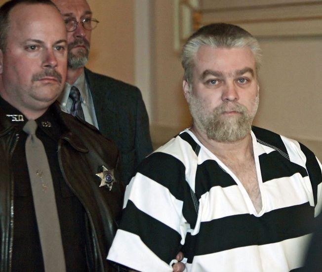 HEVDET SIN USKYLD: Steven Avery på vei inn i rettssalen i desember 2005, siktet for å ha drept Teresa Halbach.