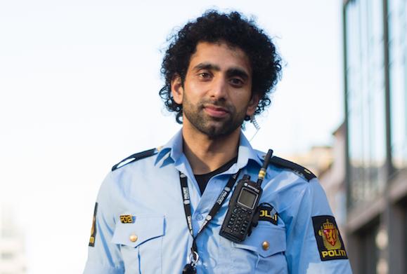 OPPFORDRING FRA POLITI: – Politiet står sammen med dere og står alltid klare for å rekke ut en hjelpende hånd. Men når dere først gjør noe dumt, ja da må dere også ta konsekvensen av det uten å stemple politiet som rasister, skriver Ali.