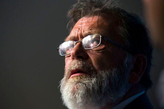 SKYLDER PÅ HØYREVELGERNE: Valgforsker Frank Aarebrot mener årets lave valgdeltakelse skyldes misfornøyde velgere på høyresiden.