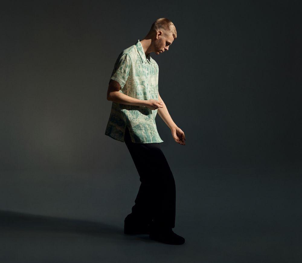 KROPPSSPRÅKLIG: Lars Vaular.