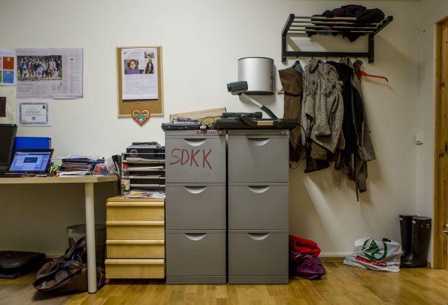 BESLAGLAGT: Arkivskapene på kontorfelleskapet Batteriets kontor er nå undersøkt av politiet. Kvinneaktivisten Shilan Shorsh fryktet at det skulle falle i feil hender.
