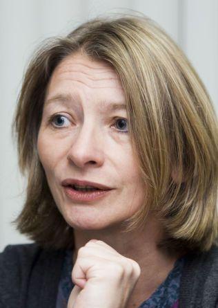 KREVER FORBUD: Forbrukerombudet Gry Nergård sendte forslag til innstramminger i regelverket til statsråd Solveig Horne (Frp) for ett år siden. Ingenting skjedde. Nå forsøker hun på nytt.