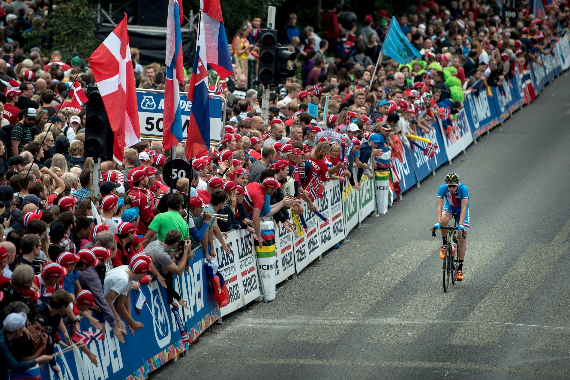 DYR FEST: Sykkel-VM i Bergen ble en voldsom folkefest, men økonomisk gikk arrangørene på en gigantisk smell.