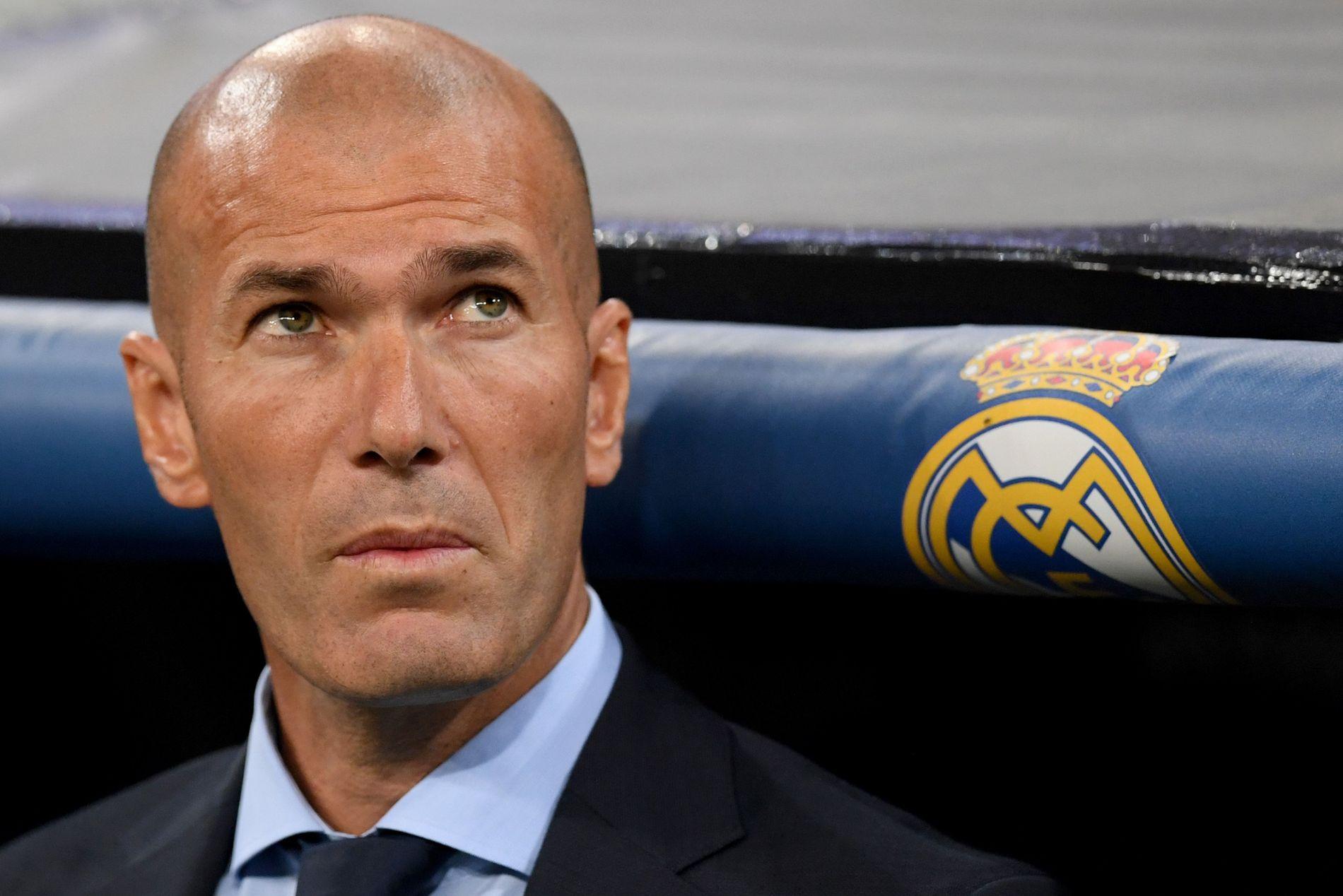 LITT HODEBRY: Real Madrid-sjef Zinedine Zidane virker komfortabel tross at laget aldri har vunnet borte mot Borussia Dortmund i Champions League.
