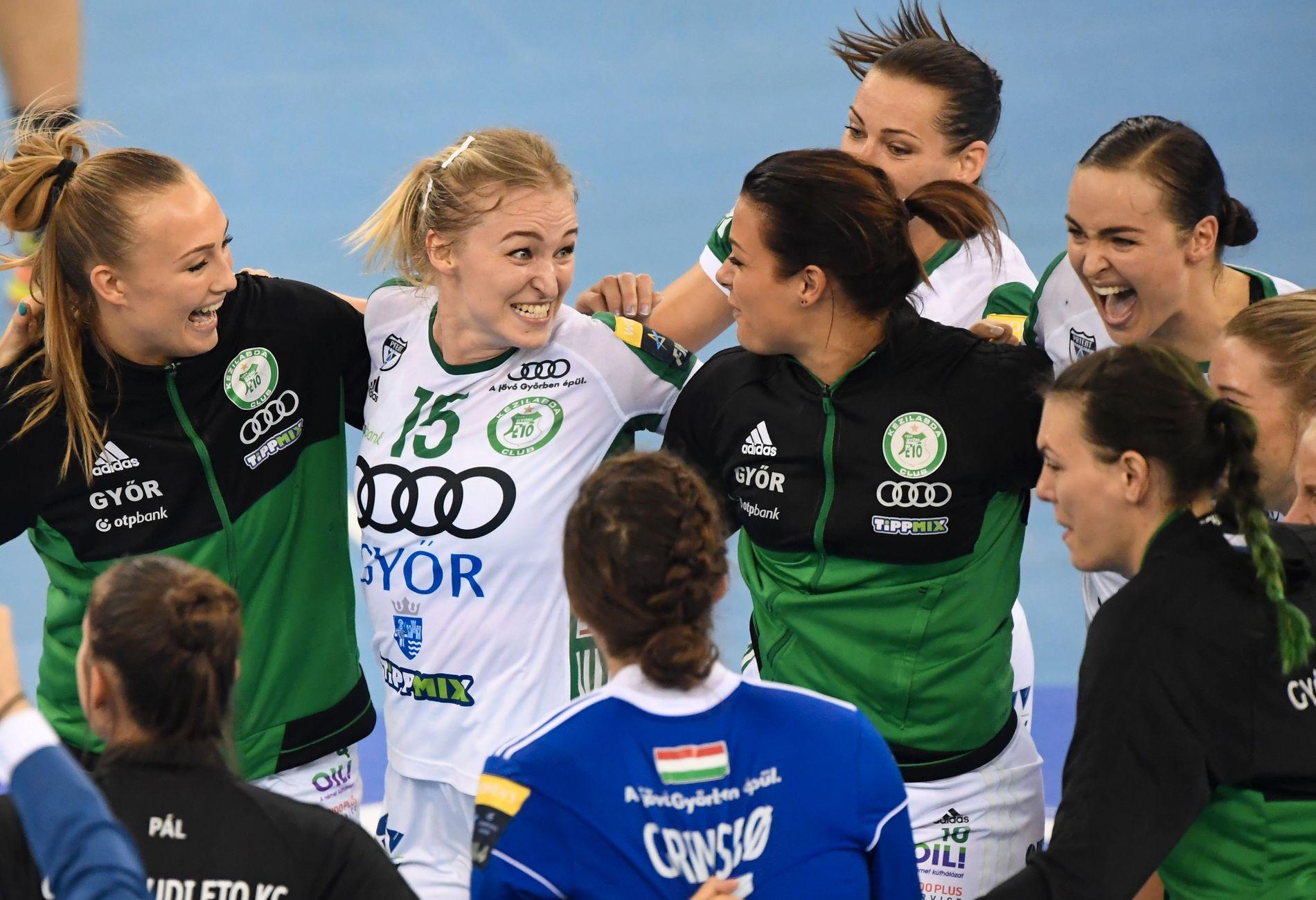 FÅR ROS: Stine Bredal Oftedal, Kari Aalvik Grimsbø og Nora Mørk har satt seg i respekt i Vardar-leiren.