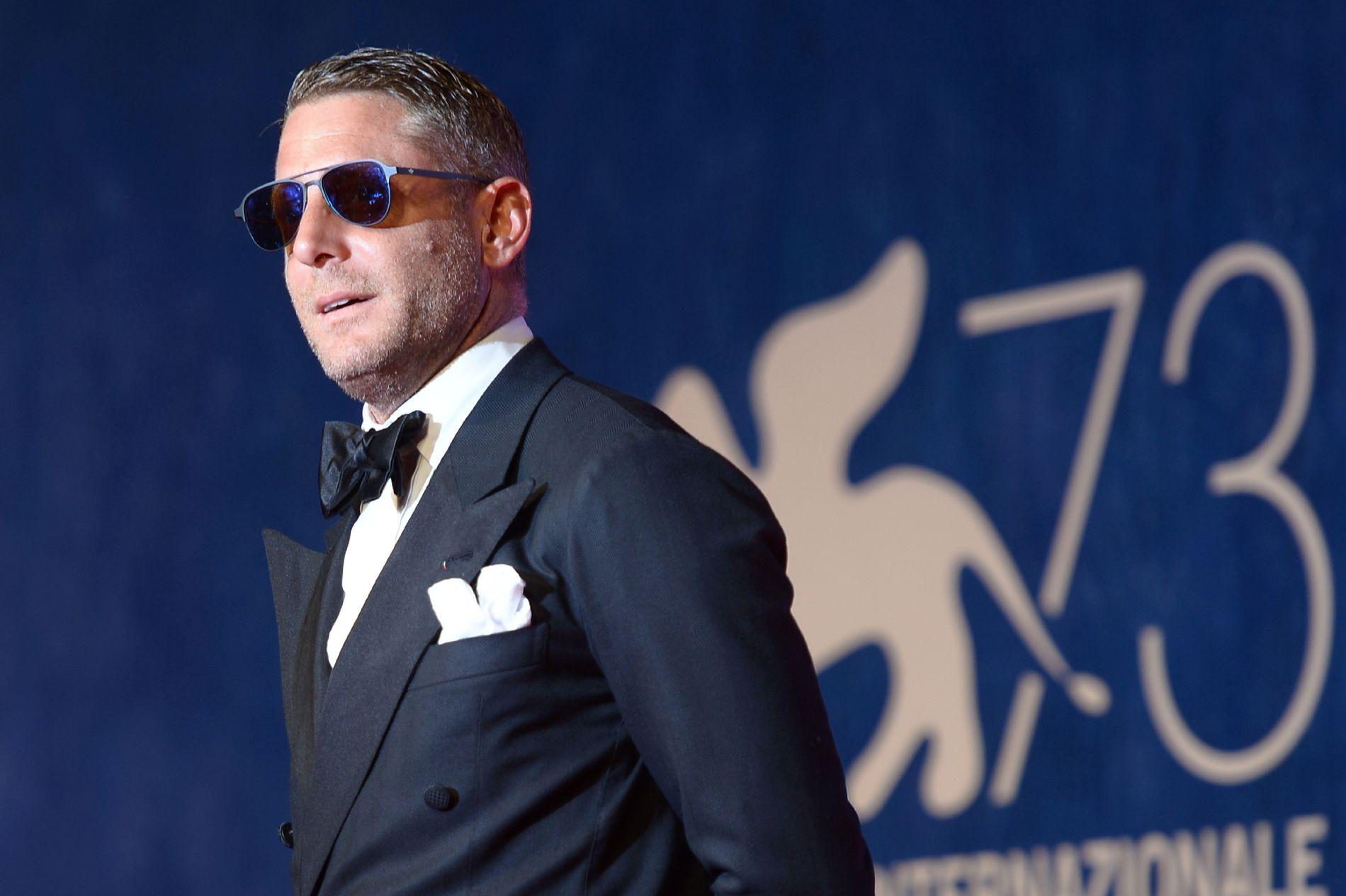 FLERE SKANDALER: Den italienske forretningsmannen Lapo Elkmann, her avbildet på filmfestivalen i Venezia i september, har tidligere havnet i medias søkelys på grunn av flere skandaler. Denne gangen endte det med at 39-åringen ble arrestert.