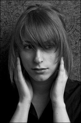 FÅR STØTTE: Susanne Sundfør støttes av både publikum, konsertarrangør og eget plateselskap for bæsj-meldingen fra scenen. Foto: EMI