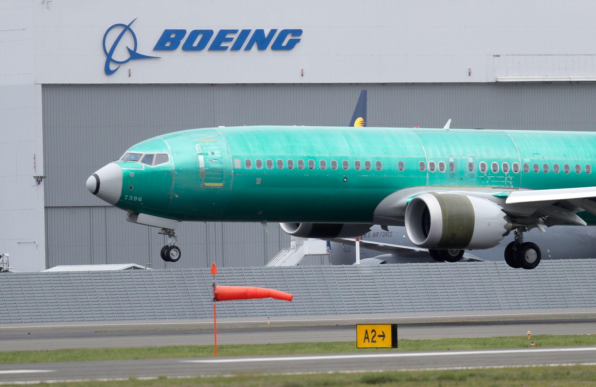 SLITER: Boeing 737 MAX 8 produsert for indiske Jet Airways lander etter testflyging i Seattle. Selskapet produserer flymodellen ennå, men de blir ikke levert ut til kundene så lenge modellen er satt på bakken.
