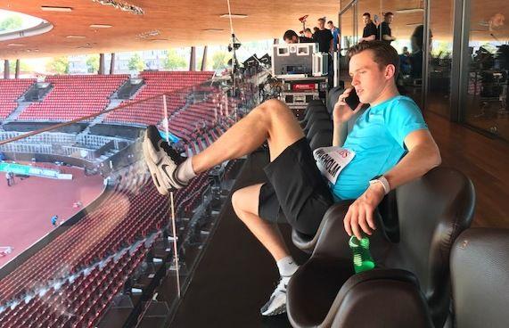 HEKTISK AVSLUTNING: Karsten Warholm (21) drar fredag morgen rett til NM i Sandnes etter finalen på 400 meter hekk på Letzigrund stadion (bildet) i Zürich torsdag kveld.