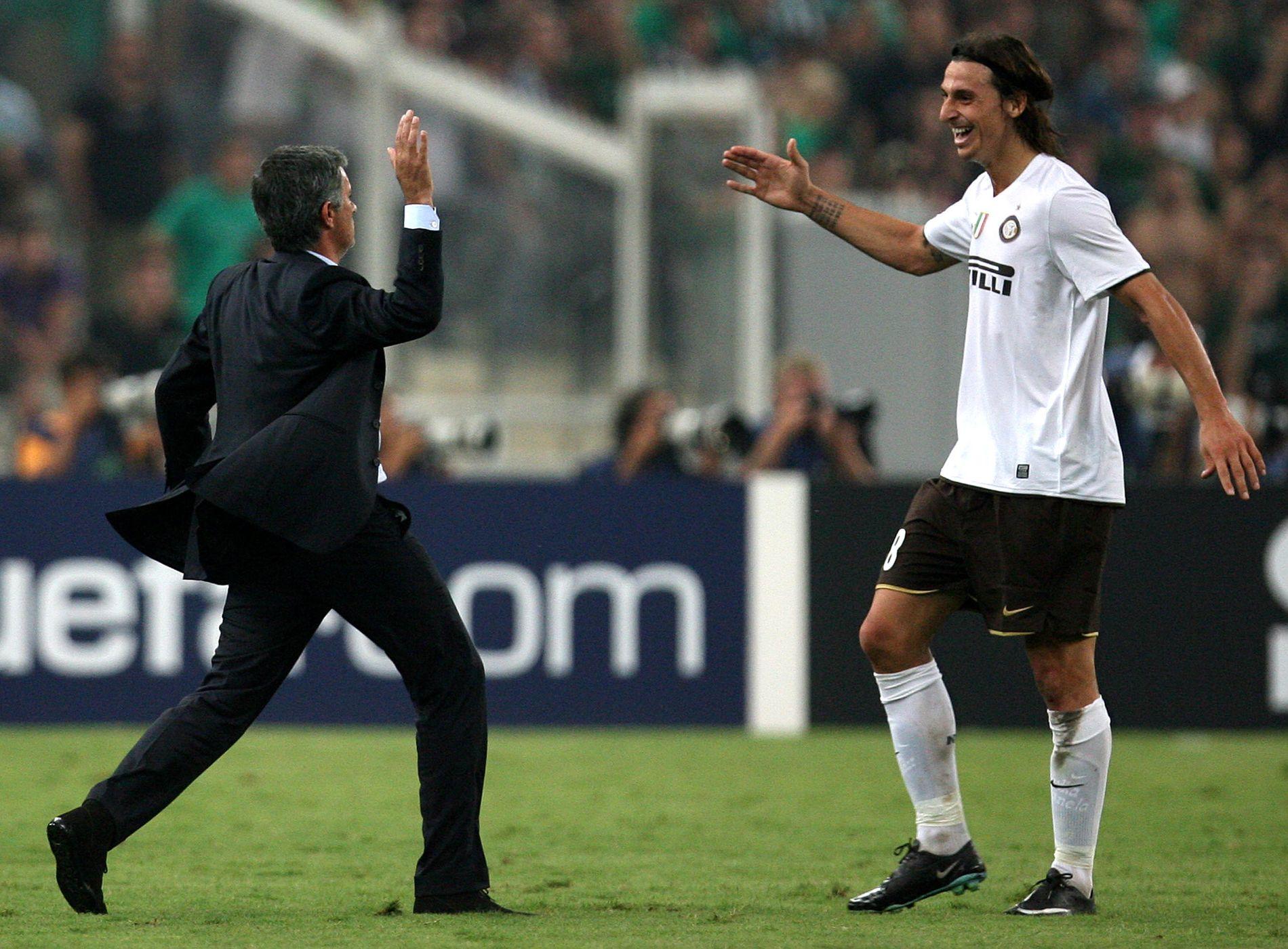 SELVTILLITSDUO: José Mourinho og Zlatan Ibrahimovic etter et Inter-mål mot Panathinaikos i Champions League. Nå er de sammen igjen. Foto: AP