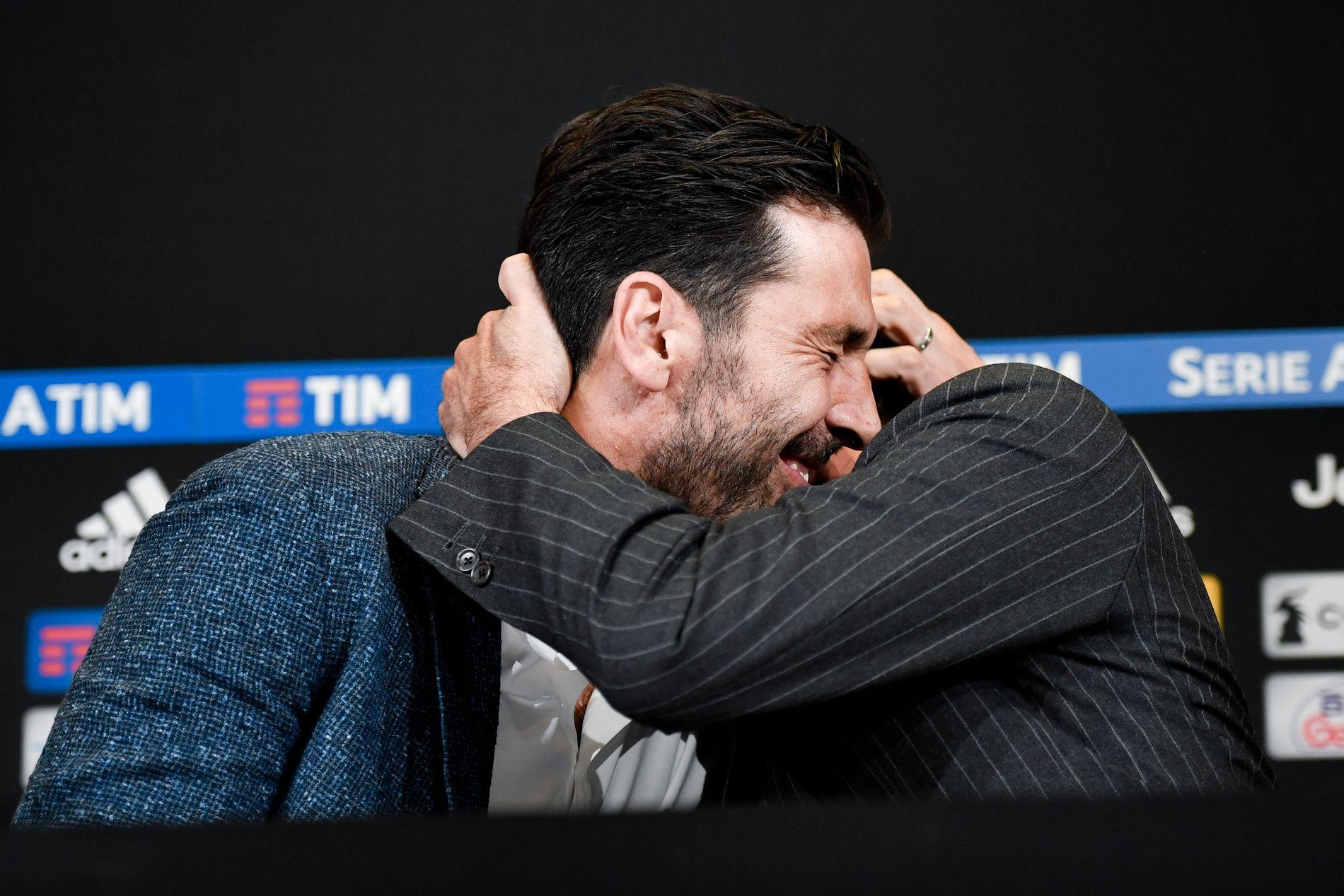 GOD KLEM: Gianluigi Buffon og Andrea Agnelli under torsdagens pressekonferanse.