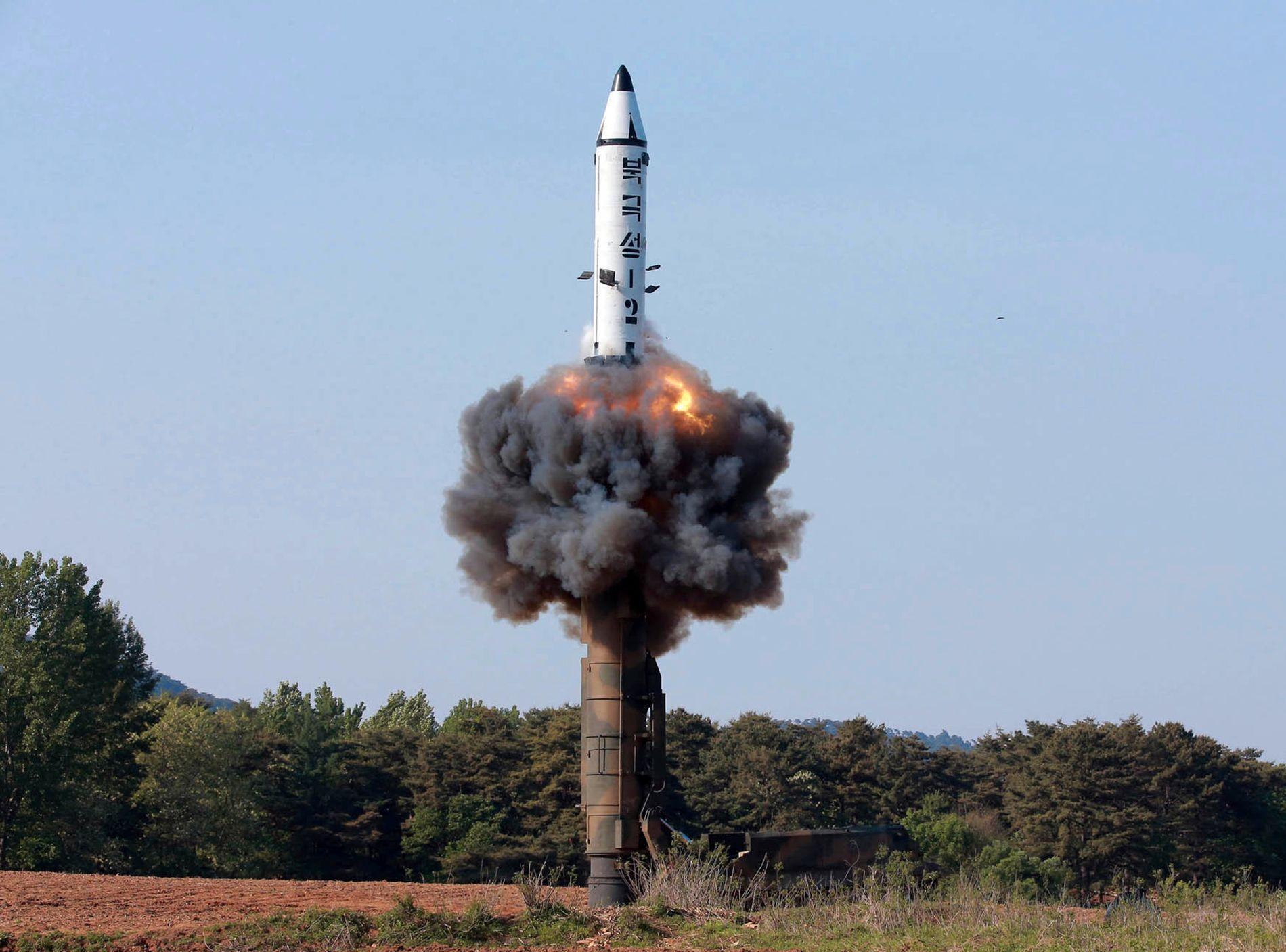 TROR IKKE: Forsker Øystein Tunsjø tror ikke Nord Korea vil gi opp sine atomvåpen.