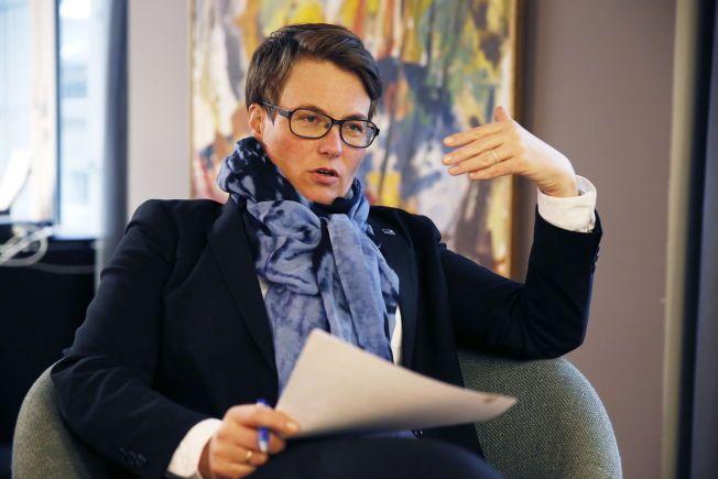 SLÅR ALARM: Klima- og miljøminister Tine Sundtoft mener folk flest må endre sine klimavaner.