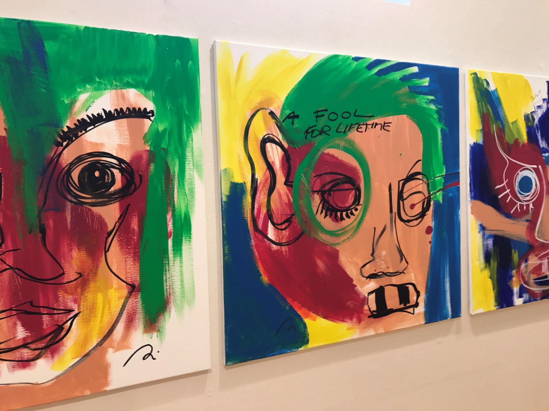 KUNST: Maleriet i midten er det første som er viet plass i Behns nye bok. Her fra en utstilling i fjor høst.