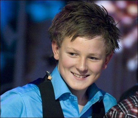 20 POENG: Jørgen Dahl Moe (13) storkoste seg under finalen av Melodi Grand Prix Junior, men havnet 13 poeng bak vinneren fra Sverige. Foto: